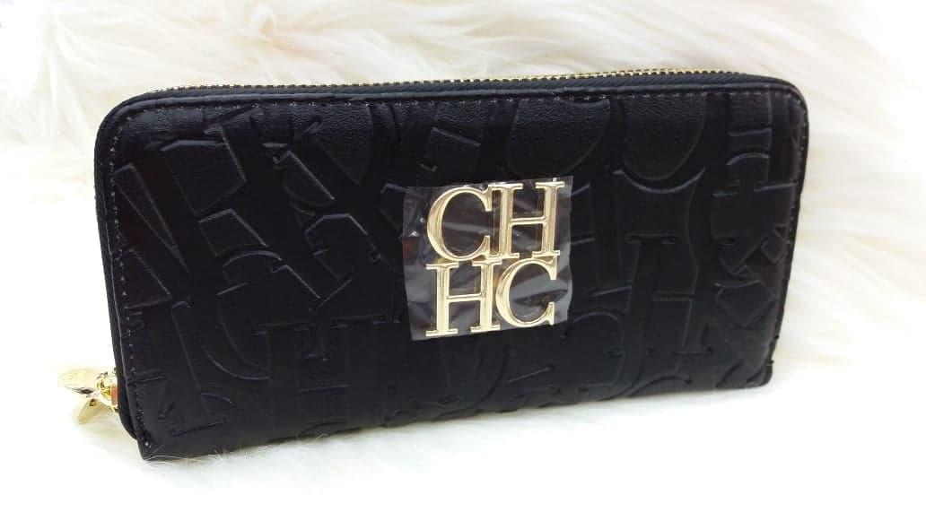 talla 40 a1c19 3d9cd Billetera Carolina Herrera