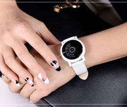 reloj_blanco_giratorio